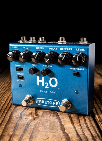 Truetone V3 H2O Chorus and Echo Pedal
