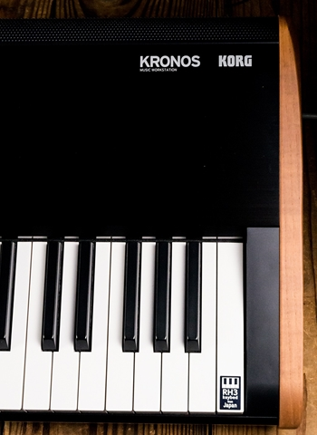 Korg KRONOS 88-Key Music Workstation