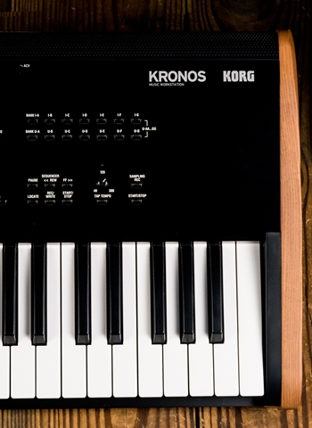 Korg KRONOS 61-Key Music Workstation