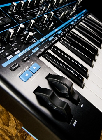 Novation Impulse 25-Key MIDI Controller