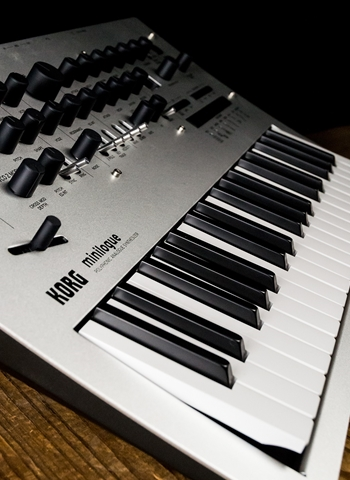 Korg Minilogue - 37-Key Analog Synthesizer