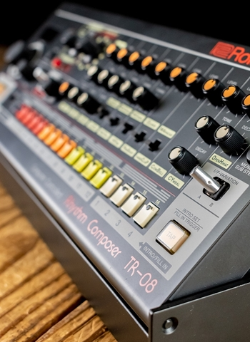 Roland TR-08 Rhythm Composer Boutique Sound Module