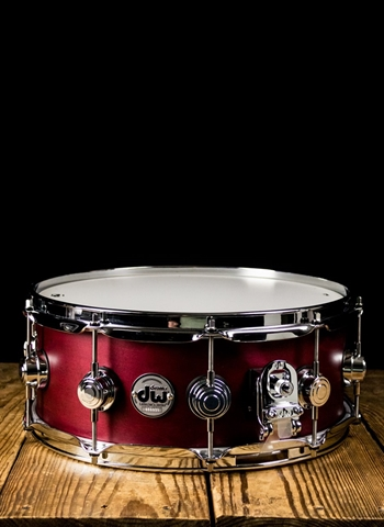 "Drum Workshop DRSO5514SSC106 - 5.5""x14"" Collector's Series Satin Oil Snare Drum - Cherry"